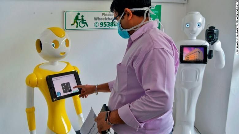 Robot tham gia chống dịch Covid-19 tại Ấn Độ
